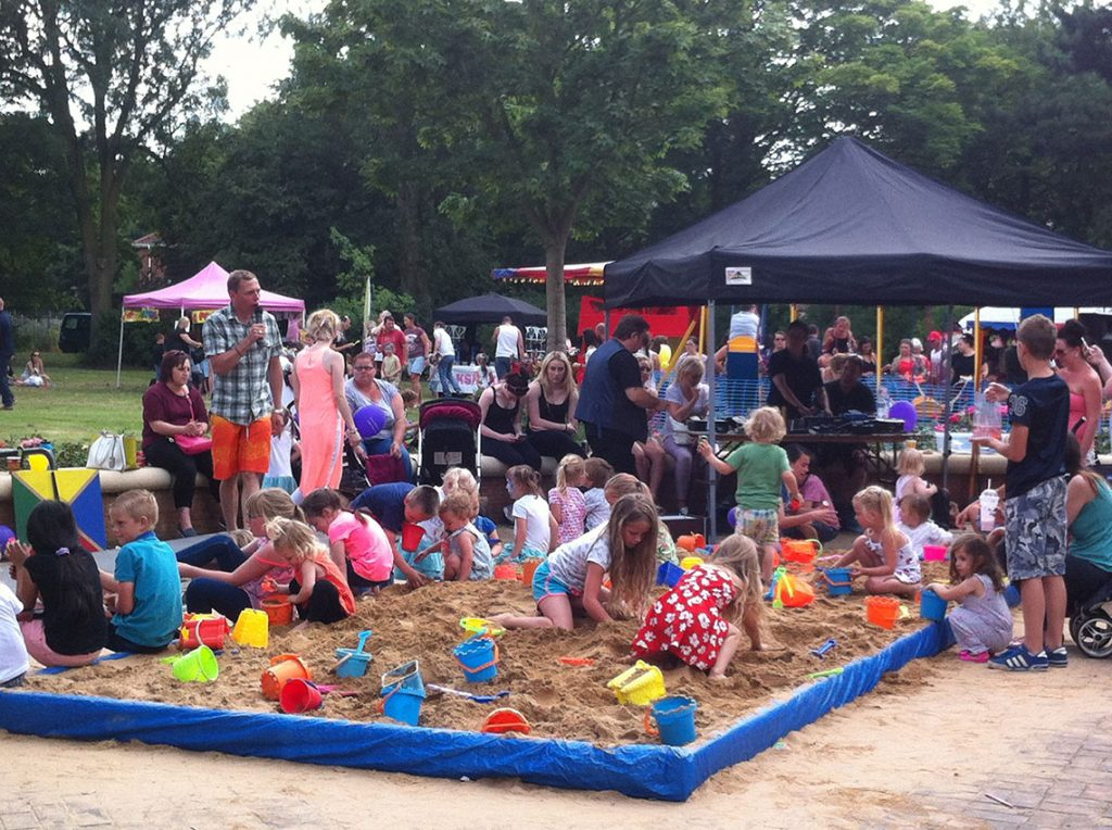 beach party thurnscoe flower park2