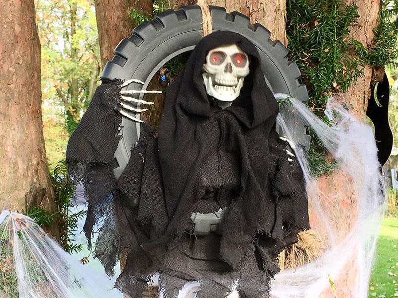 Thurnscoe Halloween Spooktacular Skeleton