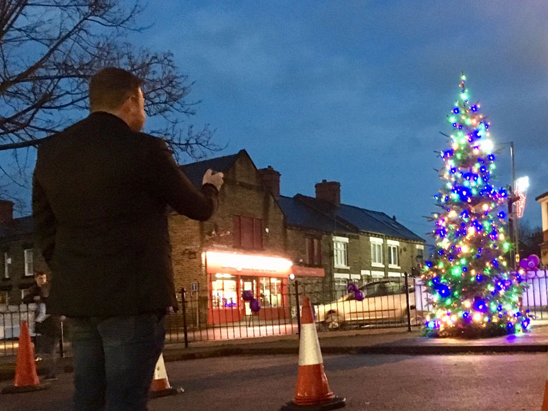 christmas lights switch on thurnscoe