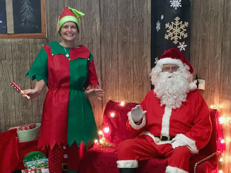 santa elf grotto thurnscoe christmas cracker